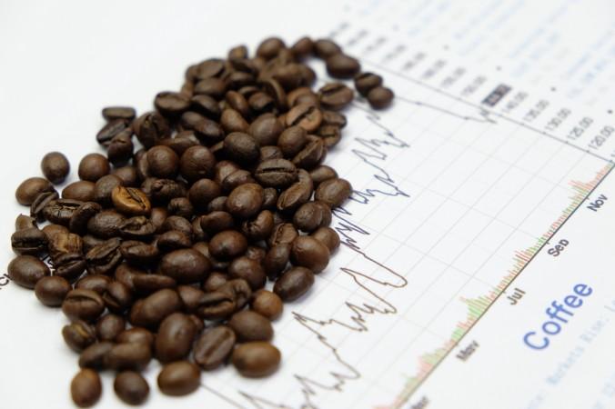 Wer in Kaffee als natürliche Ressource investestiert, der legt sein Geld in tatsächlich vorhandene Sachgegenstände an und nicht in fiktive Aktienanteile. Der Anteil ist somit physisch greifbar. (#2)