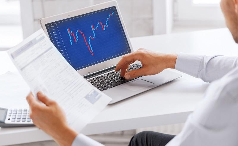 Wer ein wenig spekulativ veranlagt ist, kann mit Wertpapieren und Fonds gute Gewinne erzielen. (#03)