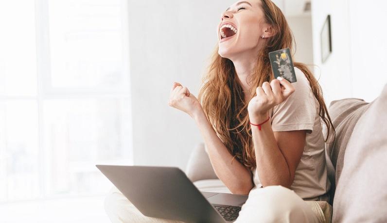 Wenn man plant, den Kredit innerhalb einer bestimmten Zeit zurückzuzahlen, geht man nach der Laufzeit. Auch diese Eingabe kann bei einem der Kredit-Vergleichsrechner vorgegeben werden. Dadurch verändert sich dann die Ratenhöhe oder die Gesamtsumme. Auch die Zinsen werden oft von der Laufzeit beeinflusst. (#03)