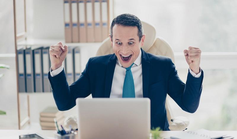 Die Freude ist groß, wenn man mit seinen Aktien einen Gewinn erzielt hat. Egal, ob dieser online oder auf Excel dokumentiert wird. (#2)