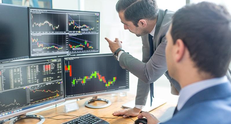 Der Aktienkurs unterliegt dabei immer einigen Schwankungen. Wenn man die Aktien gerade dann kauft, wenn der Abwärtstrend einsetzt und sie wieder verkaufen will, bevor ein erneuter Aufwärtstrend beginnt, dann kann das zu Verlusten führen.