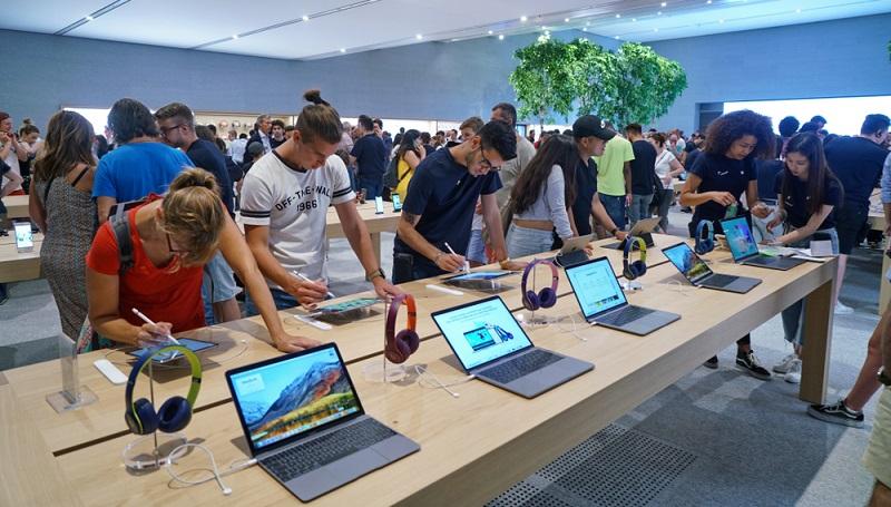 Apple schüttet die Gewinne daher wie die meisten anderen amerikanischen Unternehmen alle drei Monate aus. (Fotolizenz-Shutterstock: shutterstock MikeDotta )