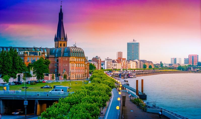In Düsseldorf liegt der mittlere Neuvertragsmietpreis für Wohnungen bei 12,67 Euro pro Quadratmeter. ( Foto: Shutterstock-_Romas_Photo )