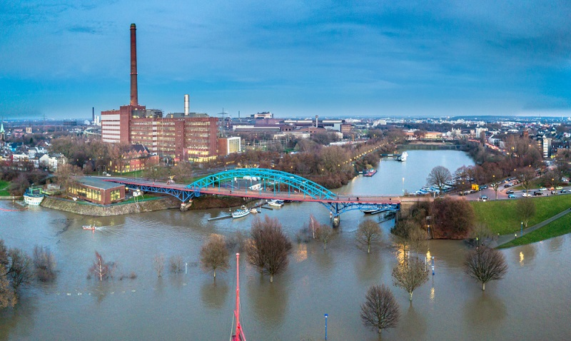 In der Presse steht Duisburg mit Mafiamorden, Marxloh und der Loveparade. Doch nach Aussage der Duisburger hat die Stadt einen höheren Chillfaktor als Düsseldorf.  ( Foto: Shutterstock-Lukassek)